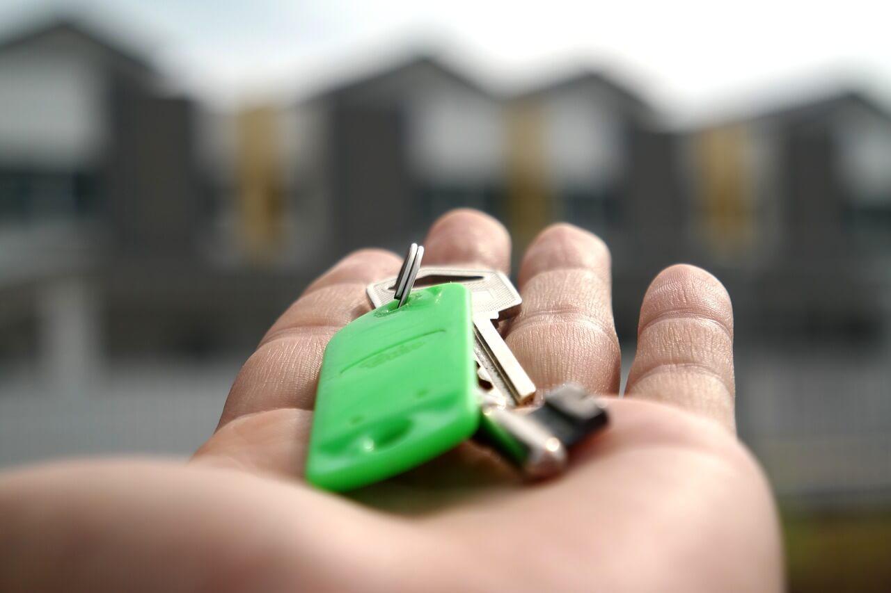 keys on a hand